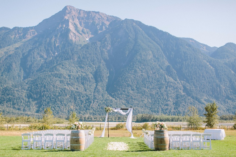 Outdoor ceremony at Fraser River Lodge