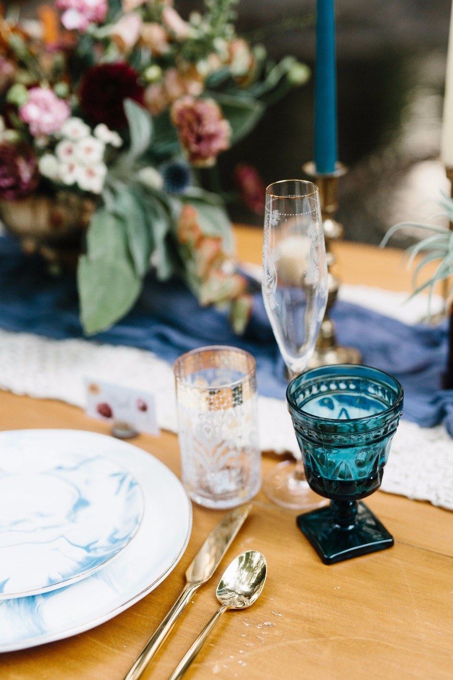 mismatched wedding drinking glasses