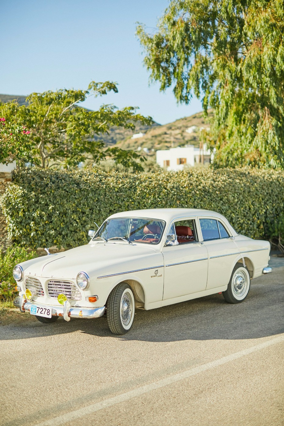 vintage wedding car for the brides ride to the ceremony