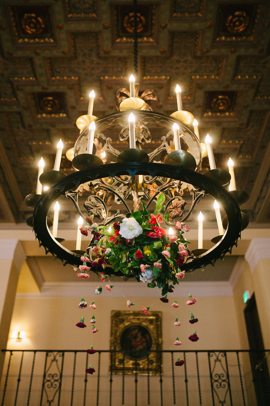 Decorate the chandeliers with flowers