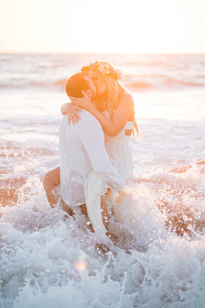20 Breathtaking Engagement Poses