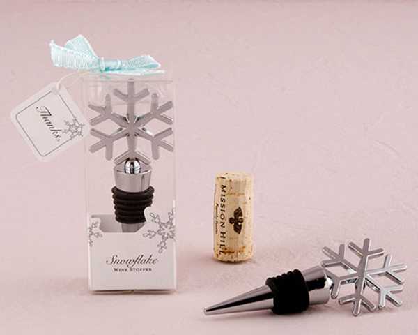 ❄ These beautifully crafted snowflake bottle stoppers accent any decor, while remaining wonderful gifts for your guests.