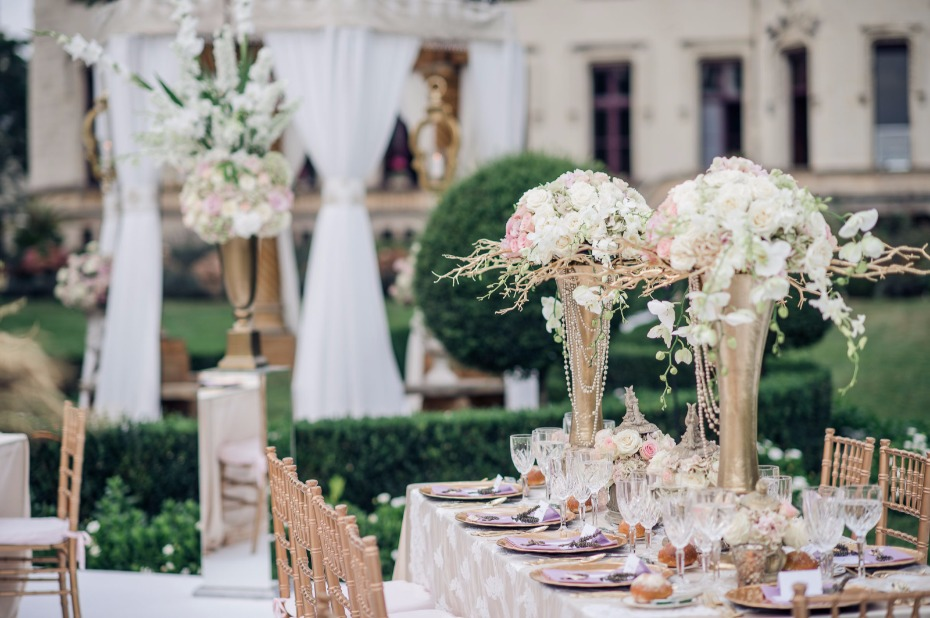 outdoor wedding tables for your French Castle wedding