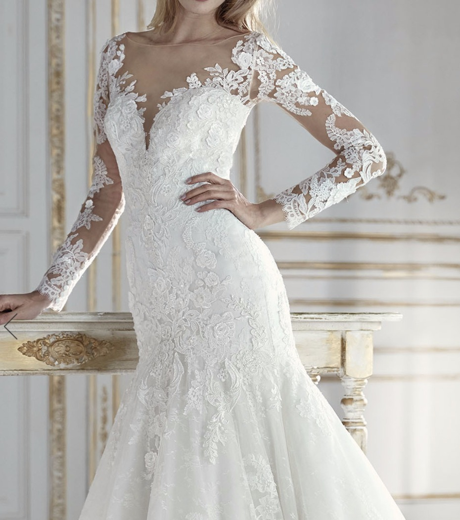 lace wedding gown with long sleeves