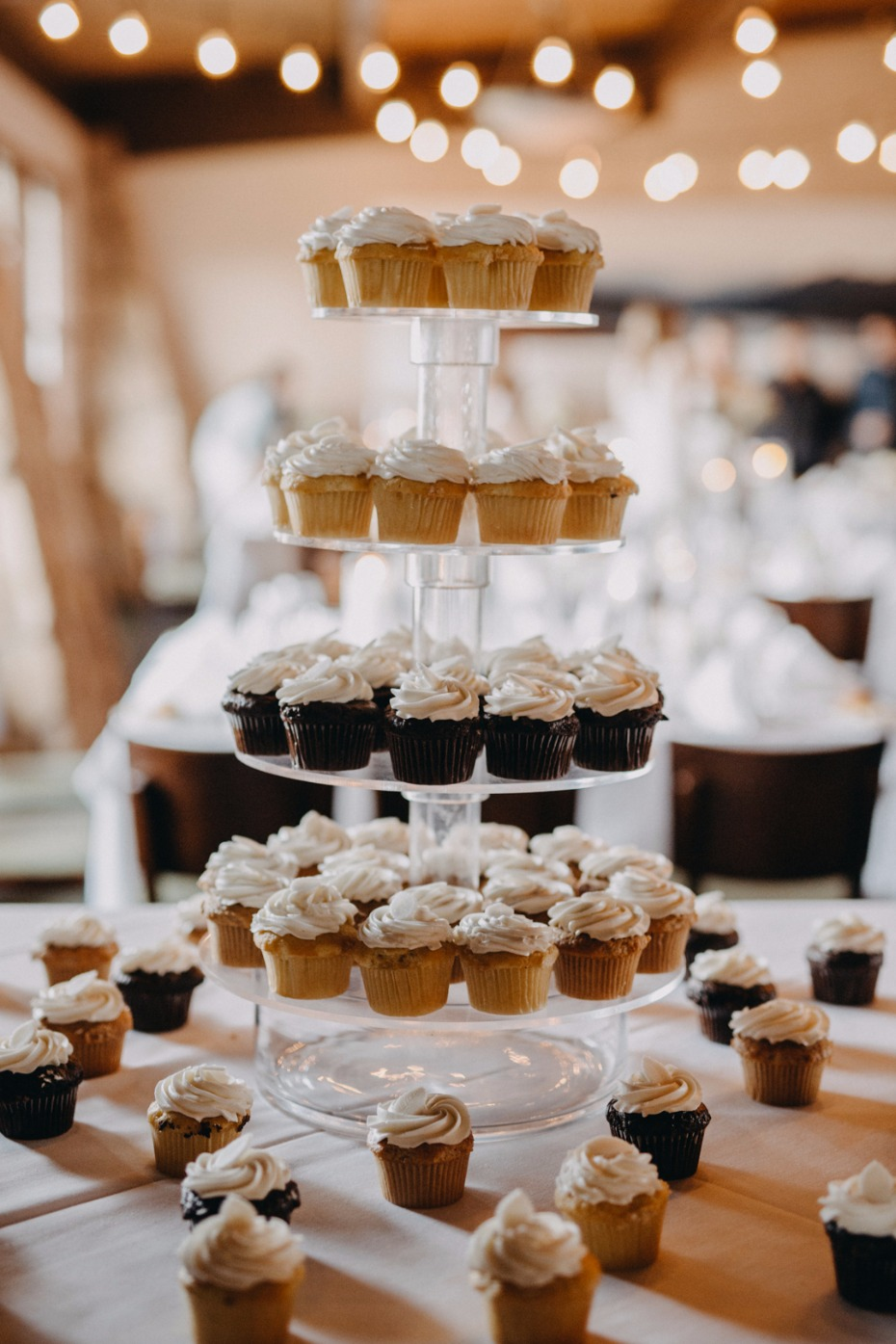 cupcakes instead of a full wedding cake