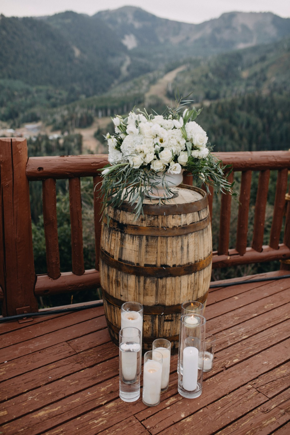 rustic chic wedding decor for your mountain wedding ceremony