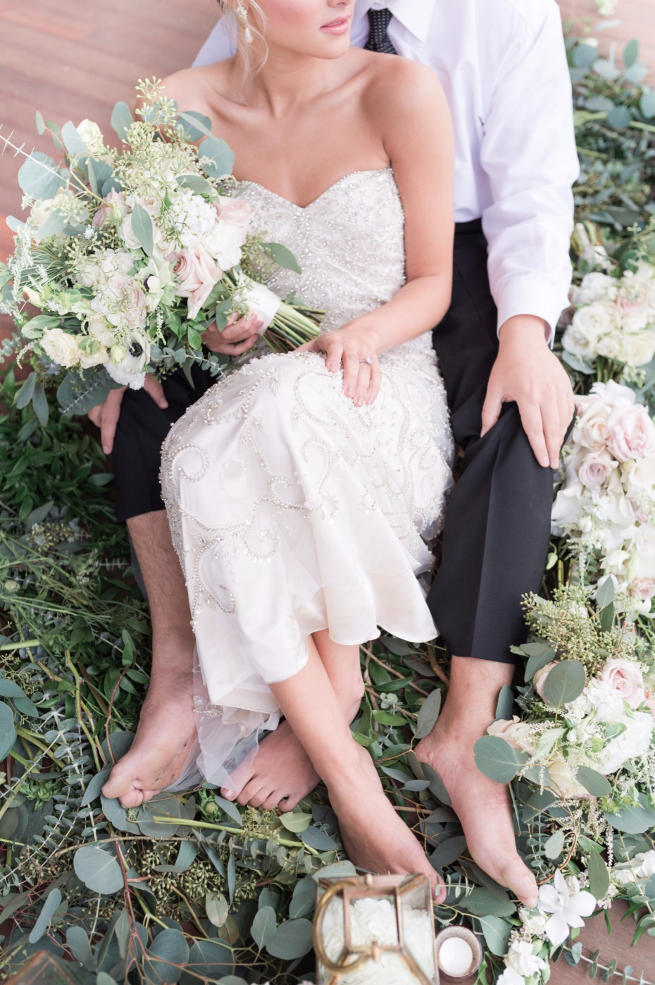 romantic bride and groom wedding photo idea