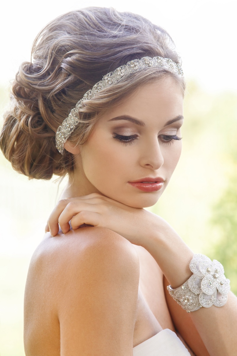 Add a touch of chic glam to your bridal look with gorgeous rhinestone accessories.