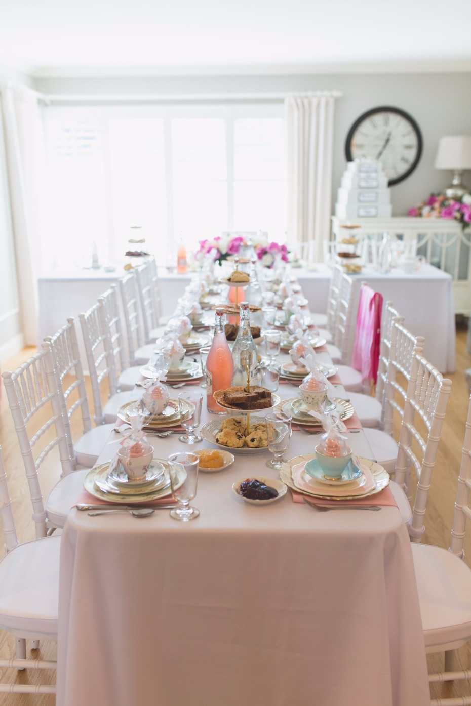Pretty in pink bridal shower table