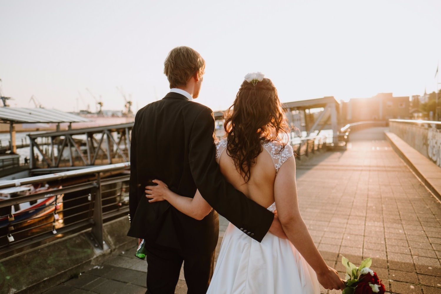 How to Handle Your Fiancé's (Girl) Friend Coming to the Wedding