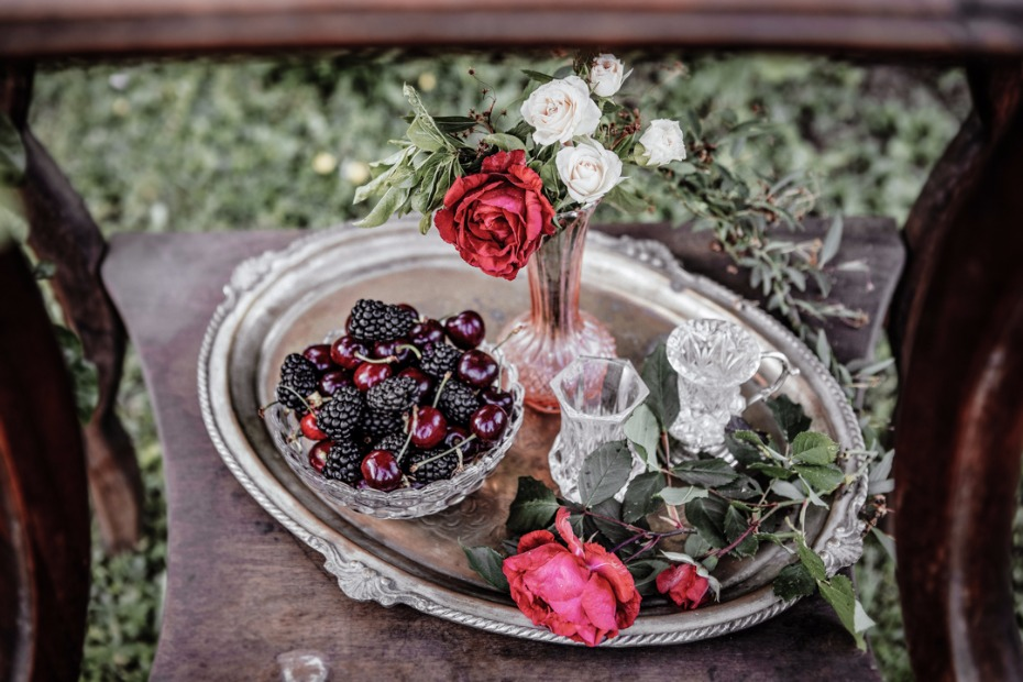 small wedding bar rose garden decor