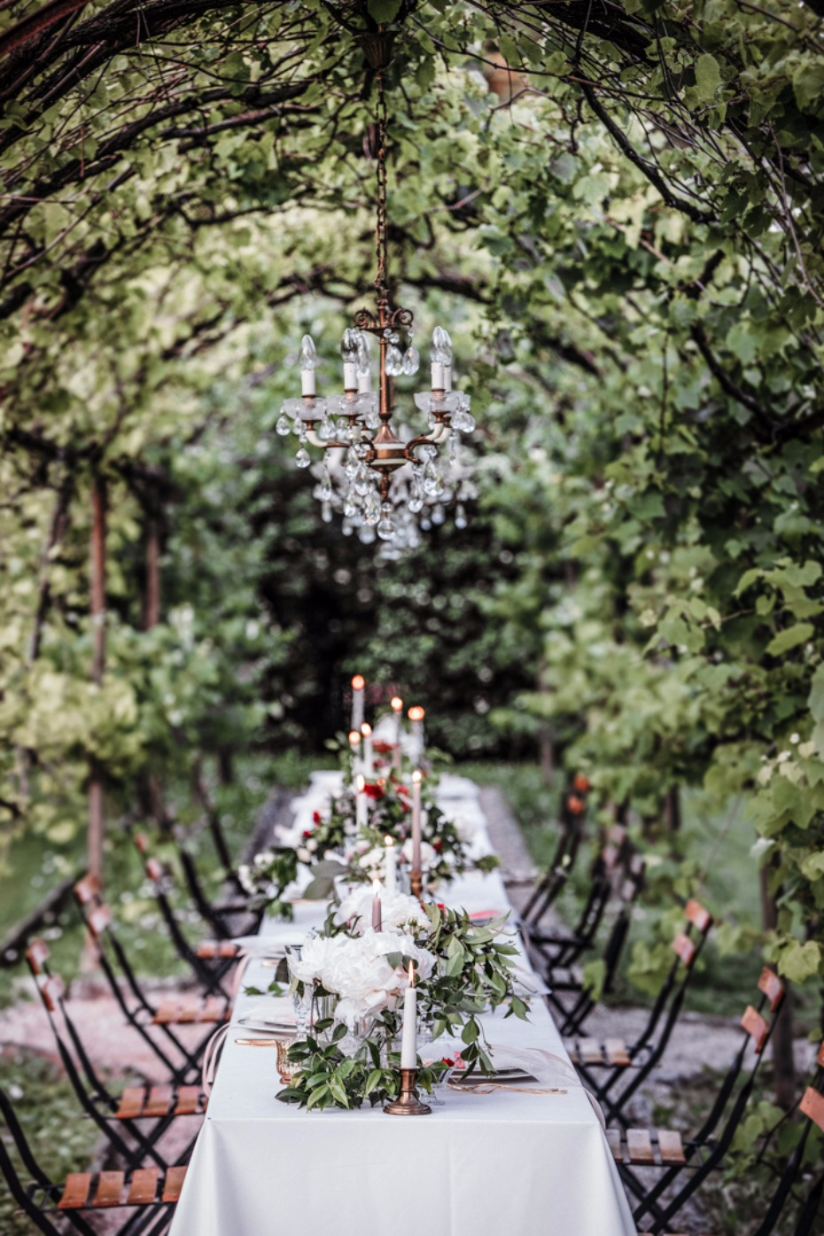 romantic wild rose garden wedding table