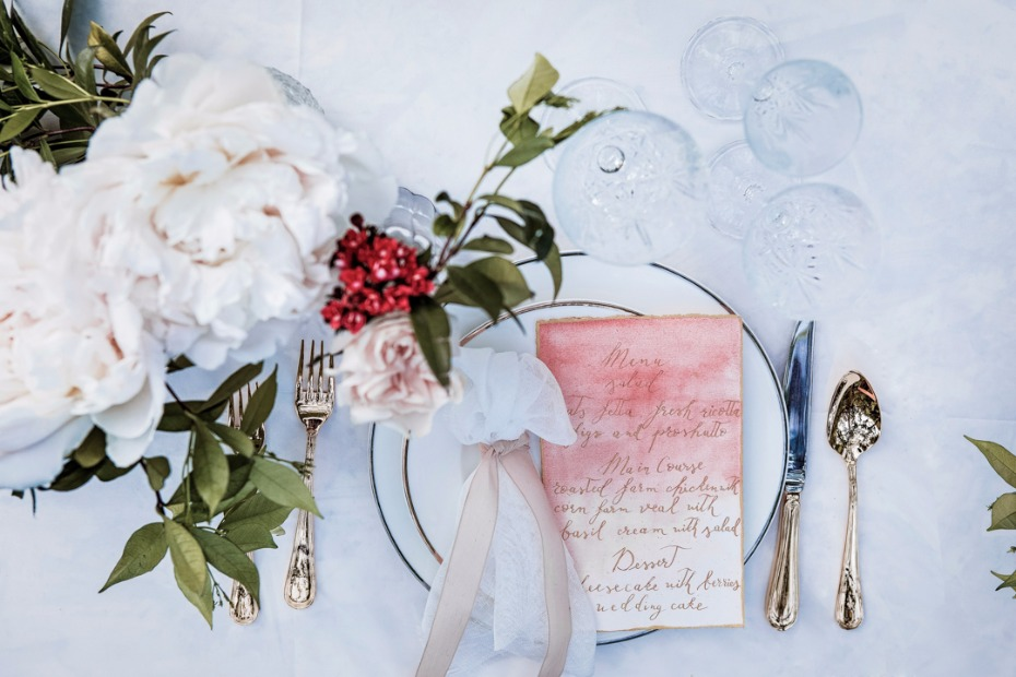 rose garden wedding place setting