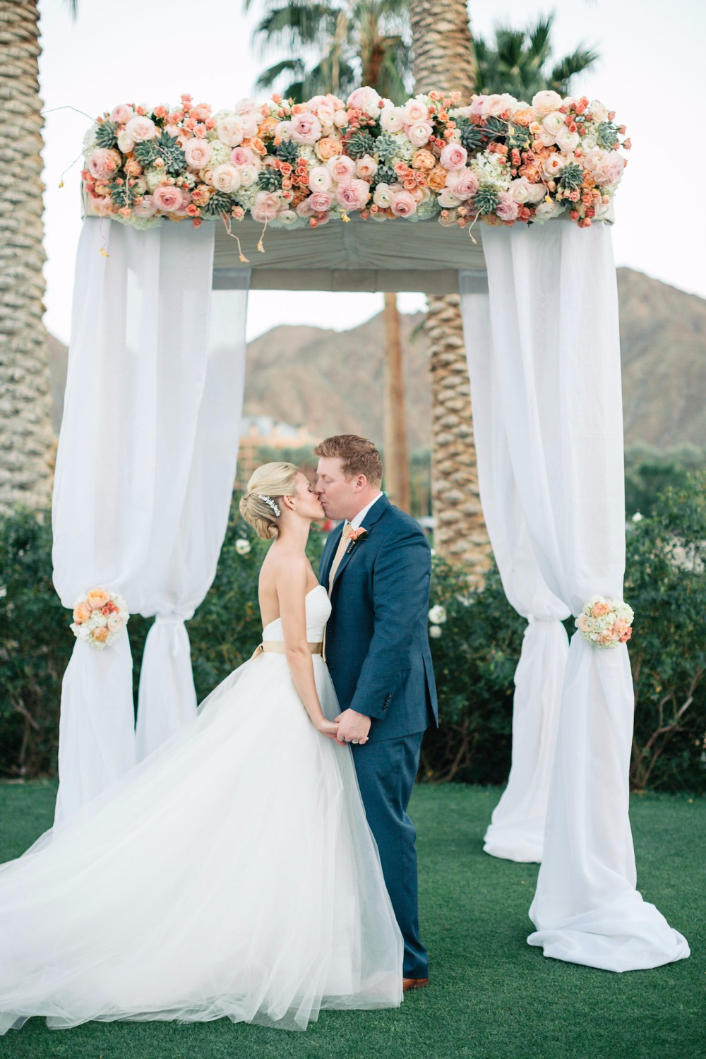 indian-wells-resort-weddings-with-a-view