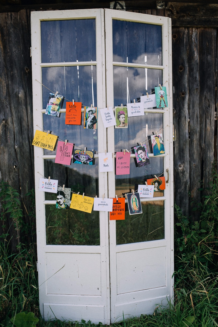 DIY wedding love and notes display