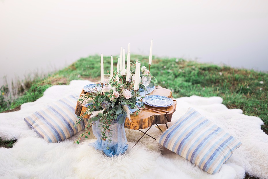 Relaxed sweetheart table