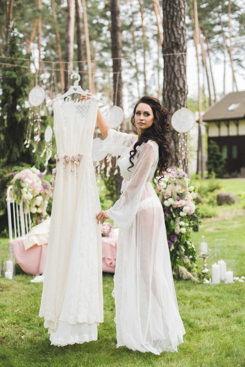 Bridal morning shoot in our mash and lace boudoir robe. Warm memories for a long time