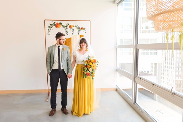 How To Have A Retro Chic 70's Style Wedding