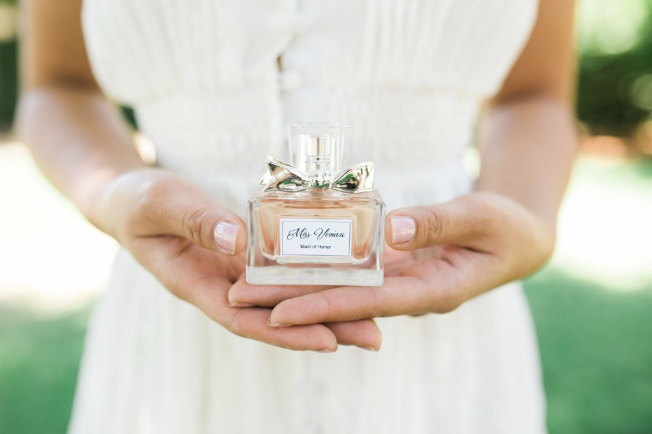 Perfume bottle favors with DIY tags
