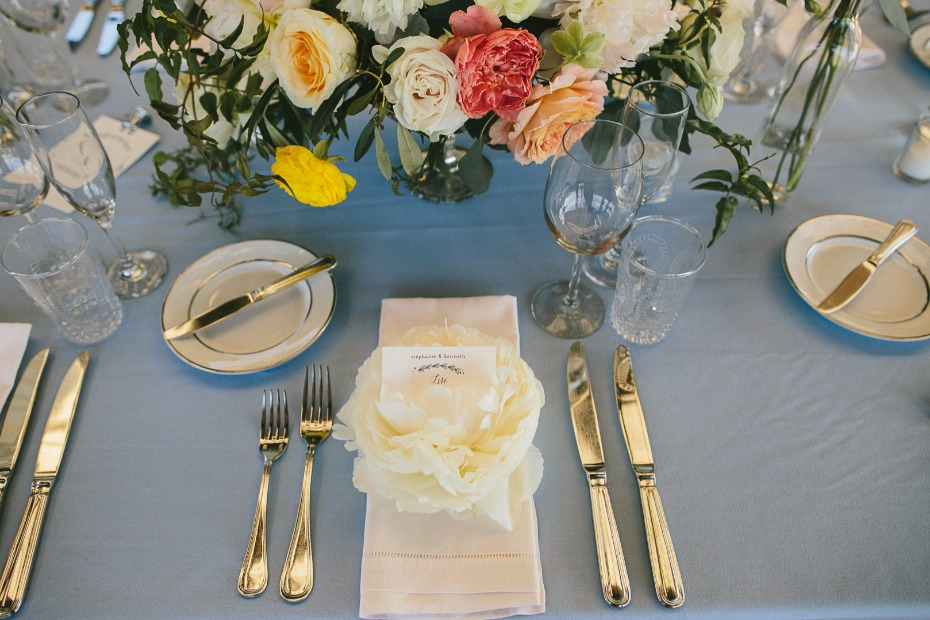 grey blue wedding table decor