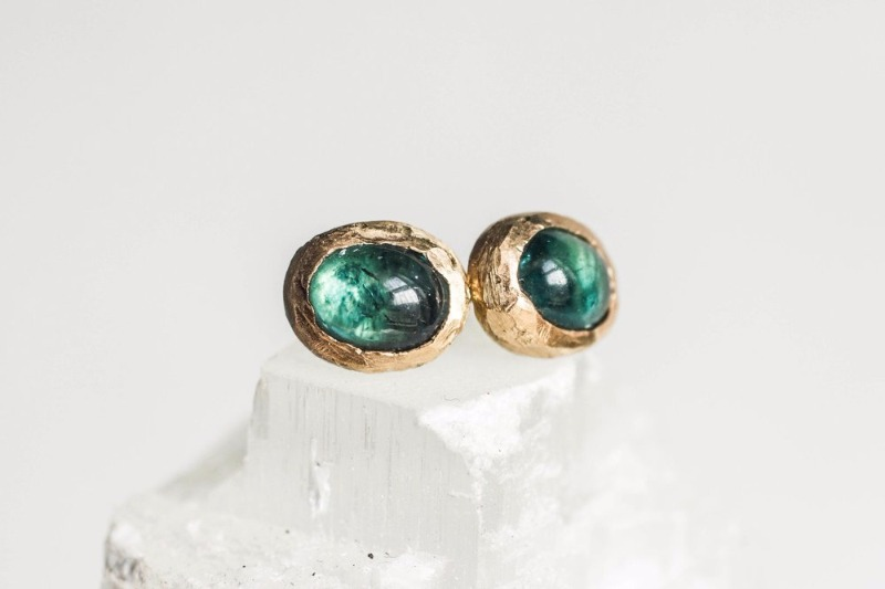 Vena is known for its bespoke handcrafted using ethical and sustainable jewelry