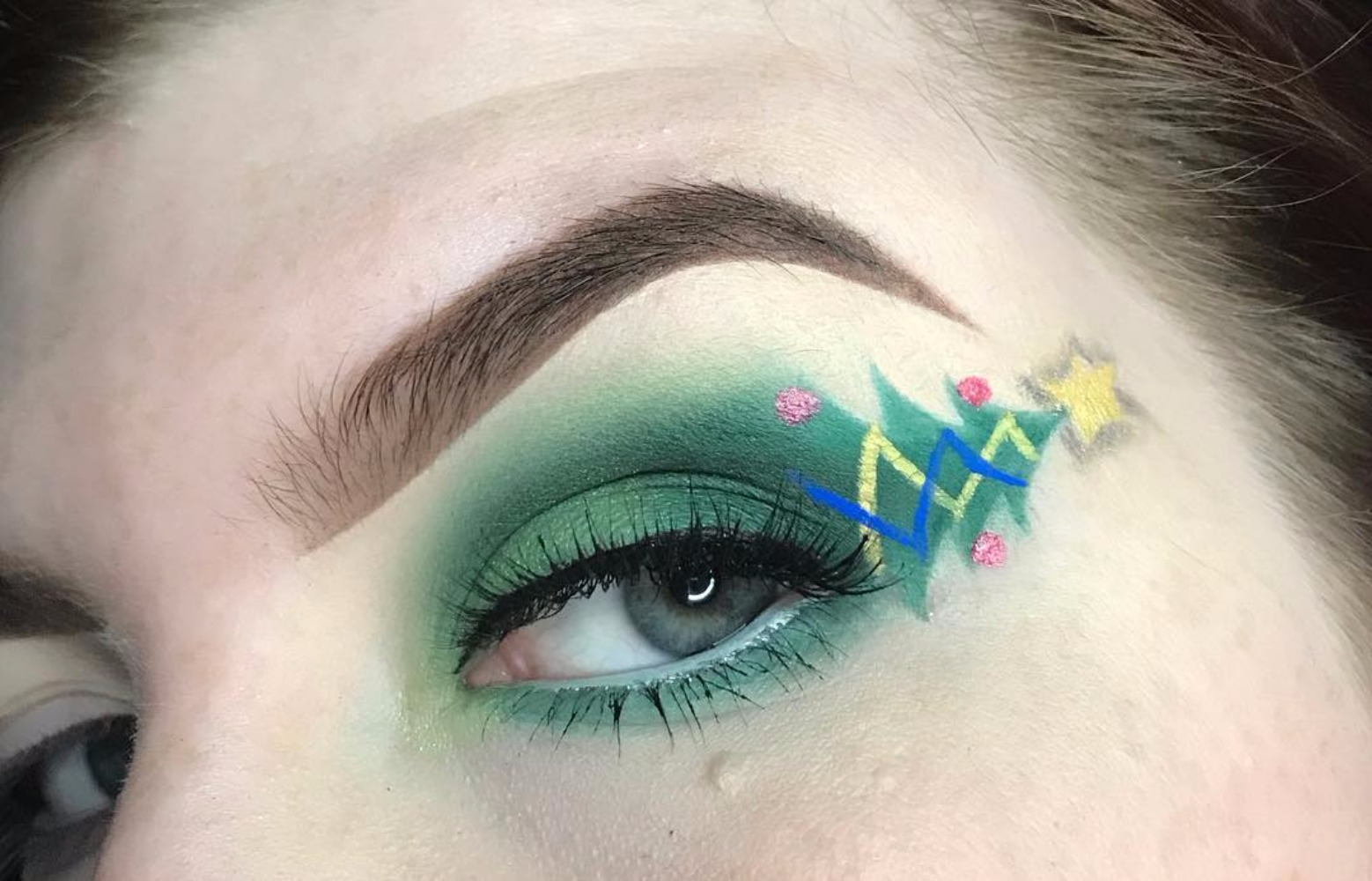 Trending , Christmas Makeup Just Became The New Ugly Xmas