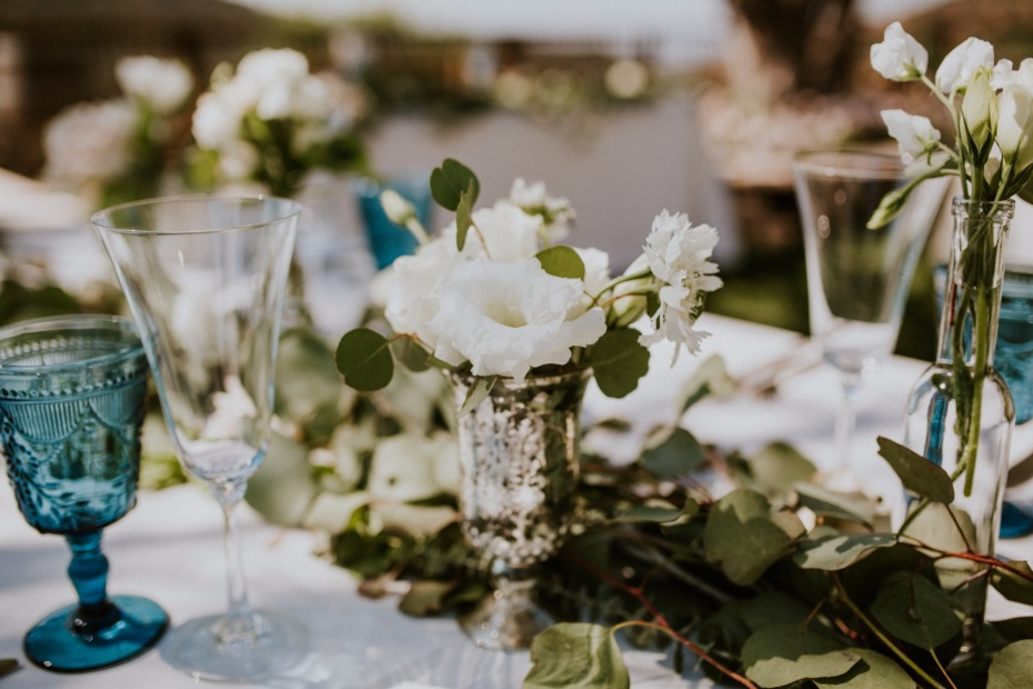 Simple chic centerpiece