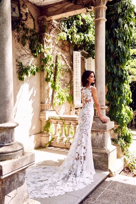 The Atelier Pronovias 2018 Collection is Bringing Sexy Back