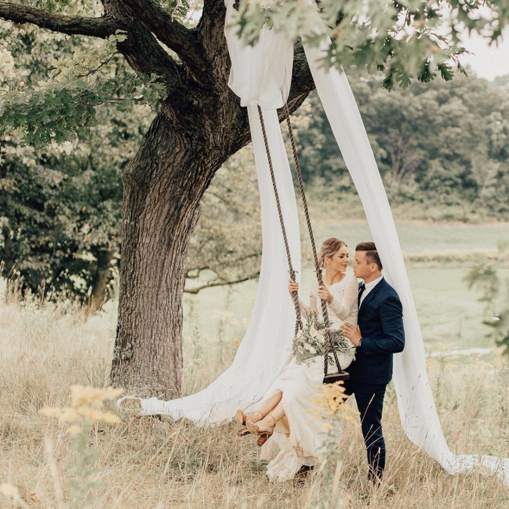 Having Swings At Your Wedding Just Became The New Big Thing
