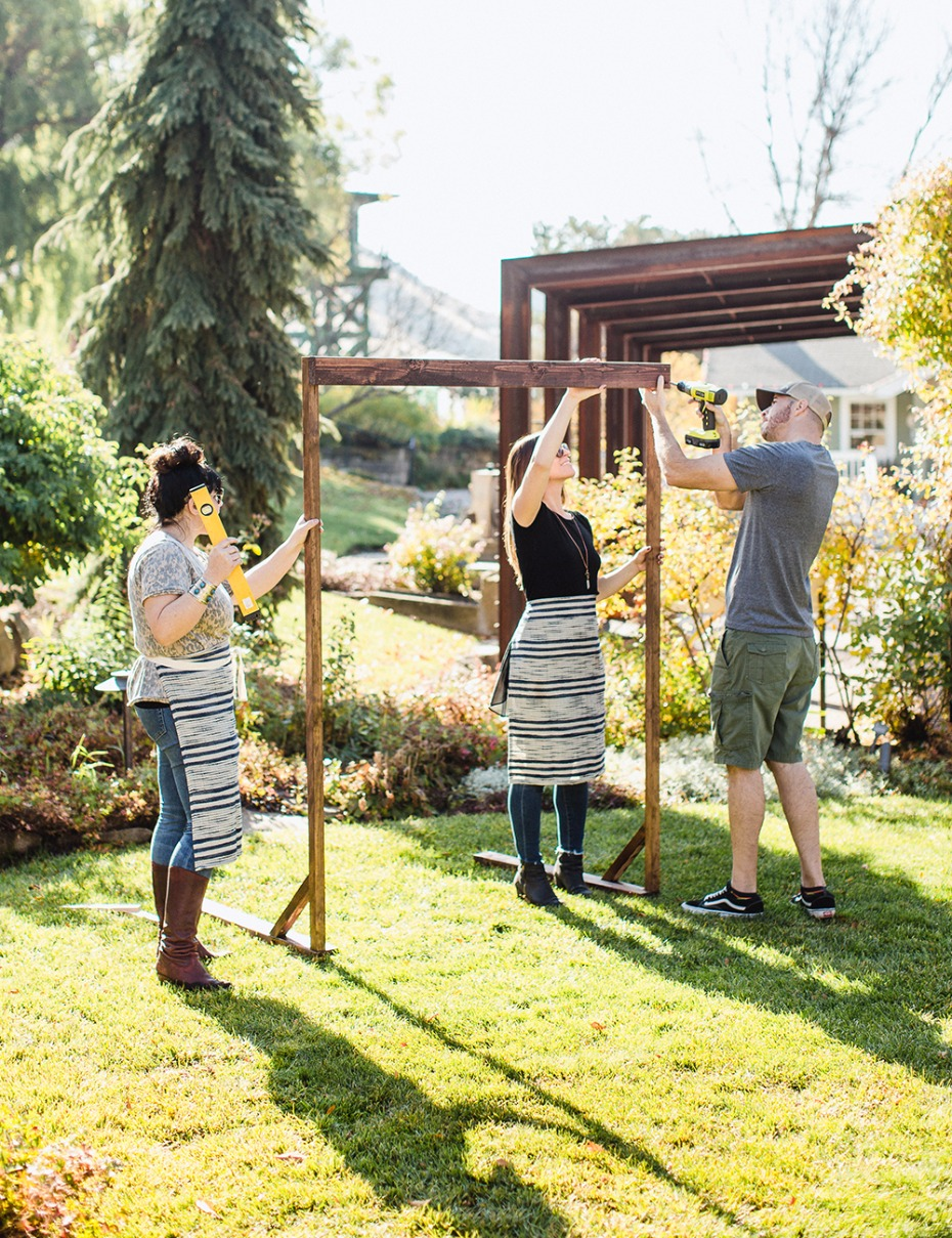 How to DIY your own wedding arbor