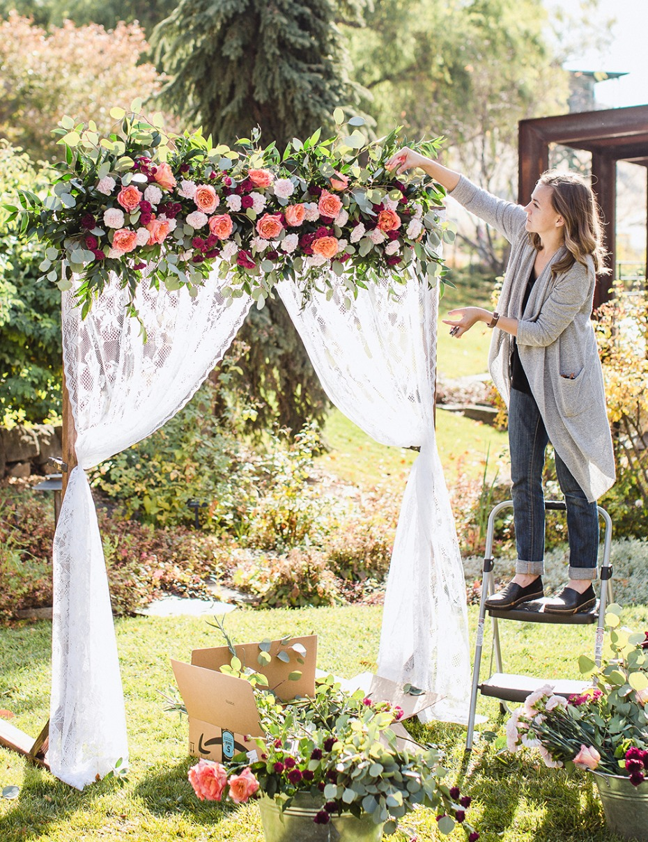 How to make your own DIY wedding backdrop