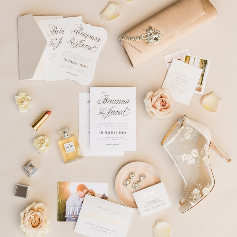 Feeling this nude color scheme and these fancy calligraphy invitations. Such a classic look.