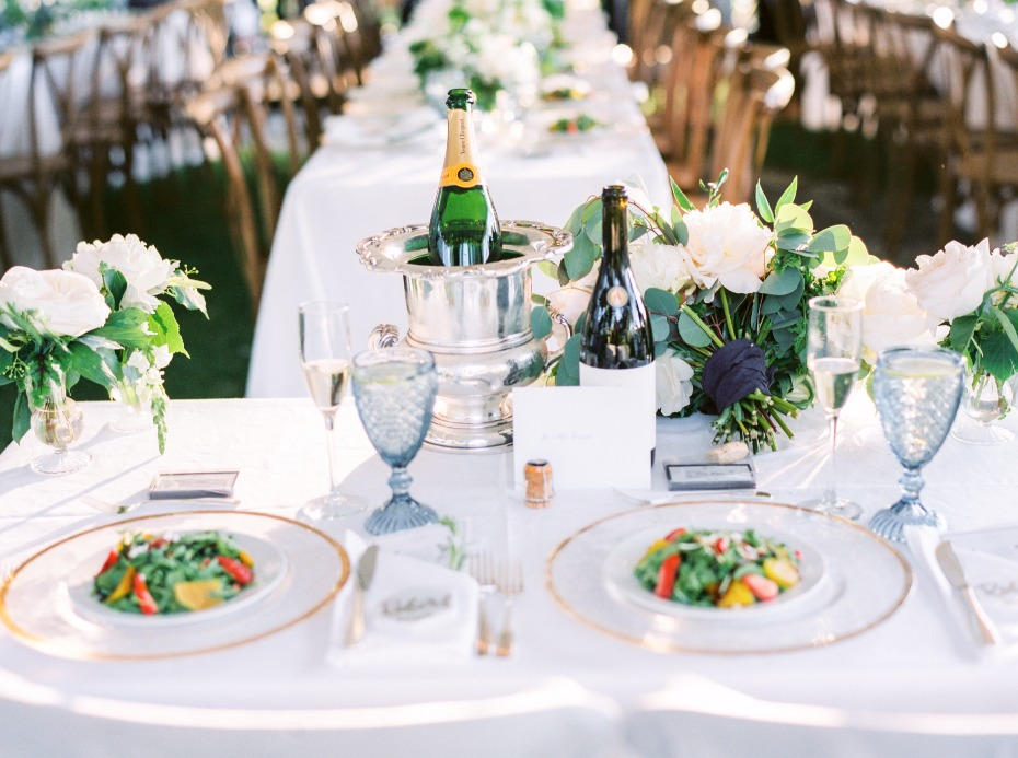 elegant and romantic sweetheart table