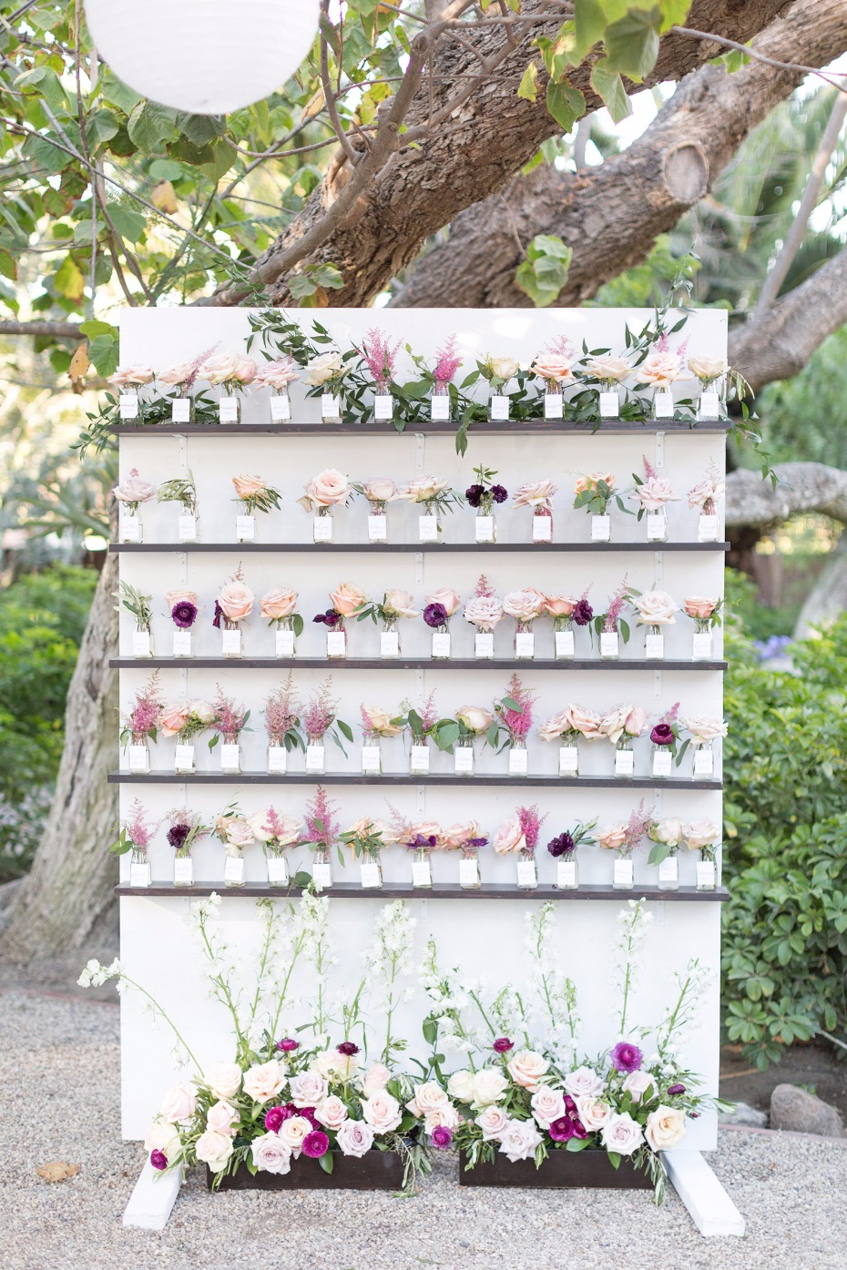 Flower seating chart idea!