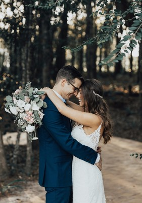 Why Saving Your First Look For the Ceremony Might Be The Best Thing