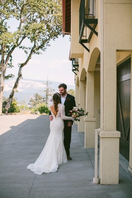 Naturally Chic Outdoor Wedding in Oregon