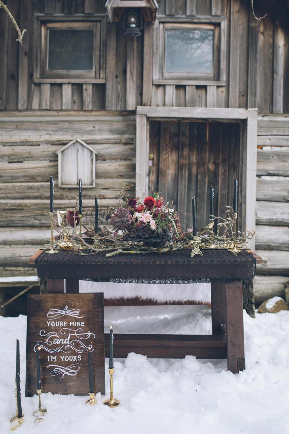 rustic winter wedding sweetheart table