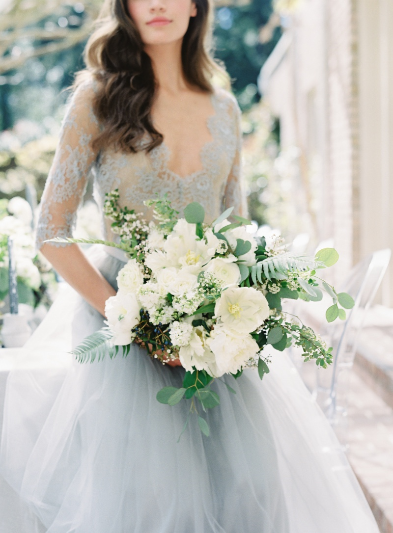 The perfect white & green bridal bouquet!
