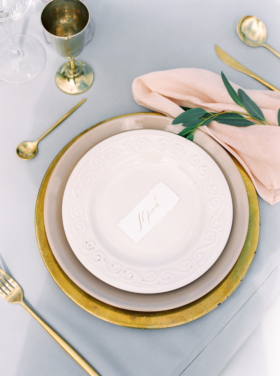 gold and pink wedding table setting