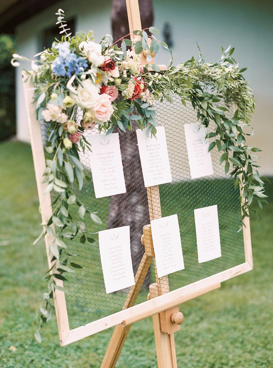 floral accented chicken white seating display