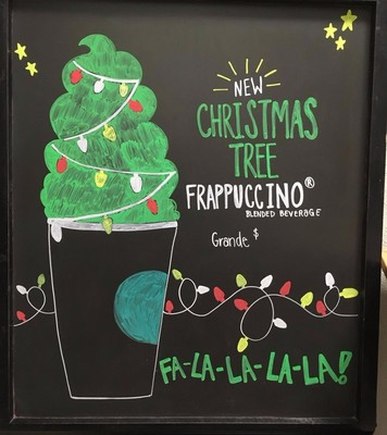 OMG a Christmas Tree Frapp Exists and We Need It Now