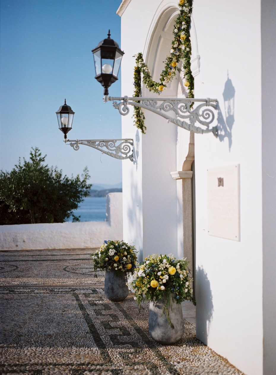 Pretty destination Greek wedding