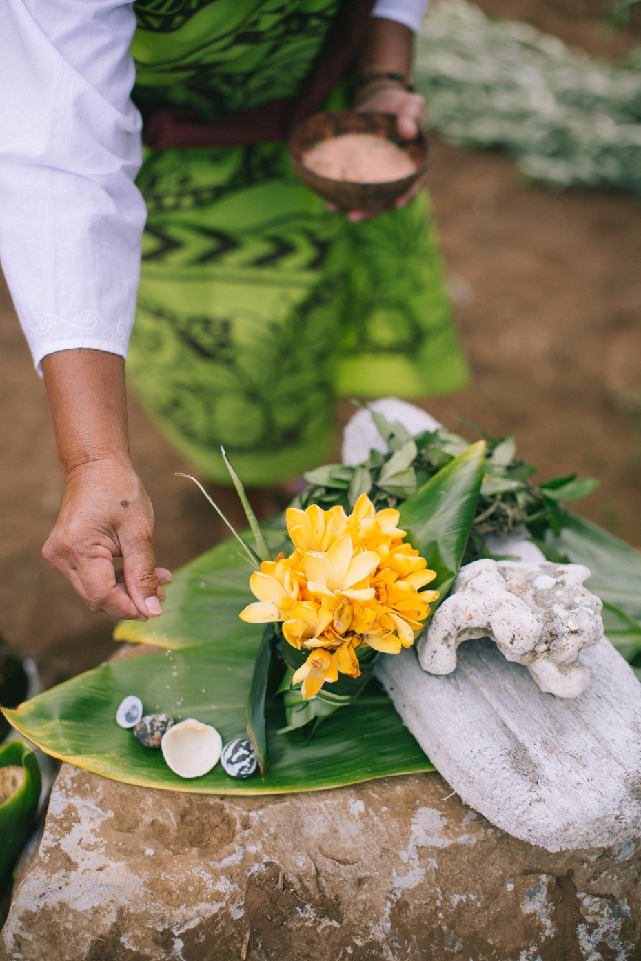 traditional Hawaiian wedding ceremony