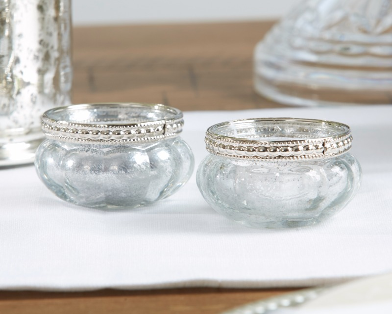 Bring winter beauty into your big day with these Petite Glass Tea Light Holder with Silver Fleck!