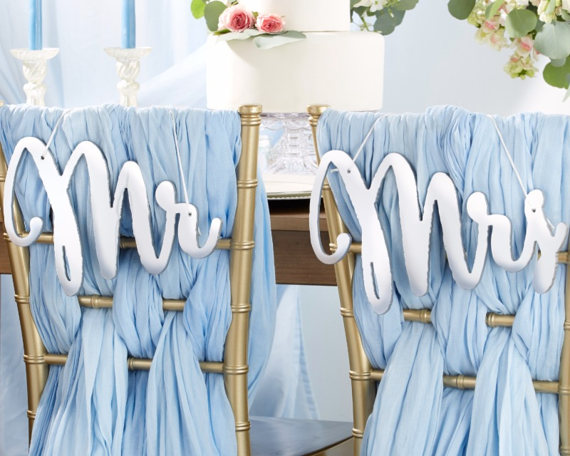 These Mirrored Mr. & Mrs. Chair Signs are sure to add elegance to your winter wedding day!
