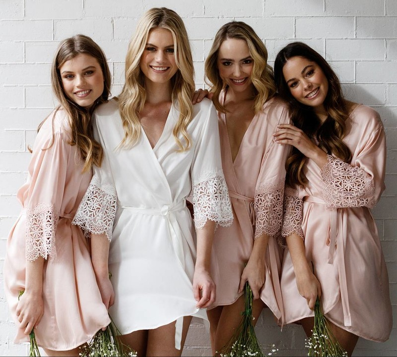 The 'Mia' silk robes are made from 100% silk. Spoil your besties with a luxurious robe and get ready in style with your bride tribe