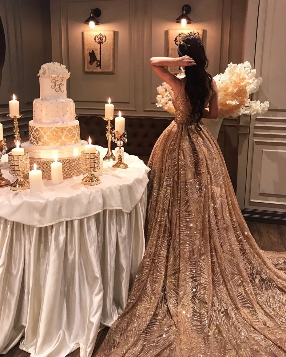 opulent gold cake stand from Opulent Treasures