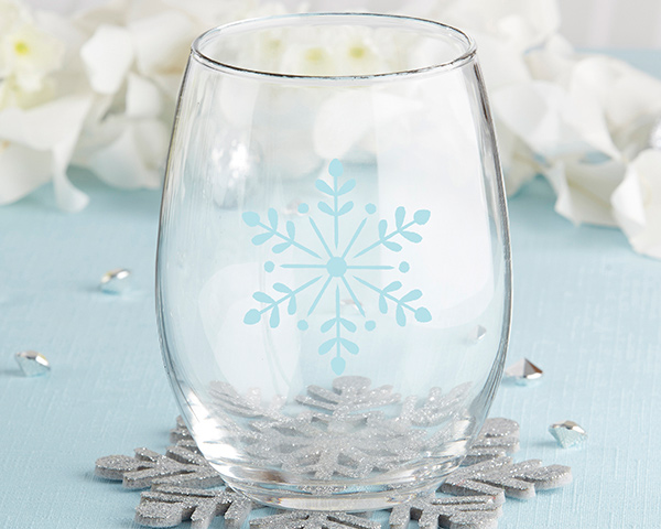 ❄️ Versatile and perfect for all seasonal occasions, these stemless wine glasses are decorated with a light blue snowflake and