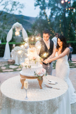 10 Modern Wedding Cake Cutting Songs