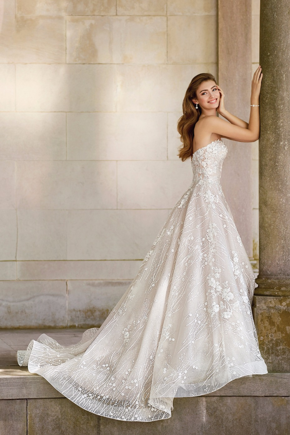 Look like a queen is a gorgeous gown from Martin Thornburg